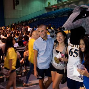 UCI mascot Peter the Anteater gets acquainted with some newcomers. The incoming class has students from all 50 states and 83 countries.  Daniel A. Anderson / University Communications